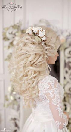 Wedding hairstyle idea; Featured Hairstyle: Websalon Wedding