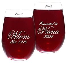 First Time Grandma Gifts - Top 20 Gifts for the Proud New Grandmother Gifts for Grandma - Grandma will love this adorable wine glass that features the dates she became a Mom and when she bec. Grandmas Mothers Day Gifts, Christmas Gifts For Grandma, Unique Mothers Day Gifts, Grandmother Gifts, First Mothers Day, New Baby Gifts, Gifts For Mom, First Time Grandma, New Grandma