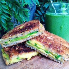 ha-ze: VEGAN GRILLED CHEESE + GREEN SMOOTHIE // recipe on my instagram: @chloessun