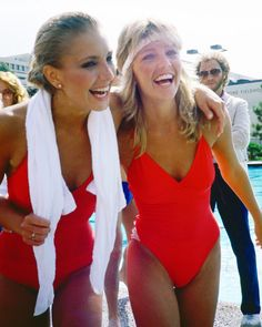 "Heather Locklear and Heather Thomas both taking part in ""The Battle of the Network Stars"" for ABC back in the early . Heather Thomas, Girl Celebrities, Celebs, Erin Gray, Movie Market, School Tv, Heather Locklear, Amanda Bynes, Reality Tv Shows"