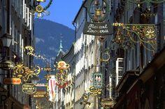 Die bekannte und beliebte Getreidegasse in Salzburg