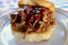 BBQ Ranch Pulled Pork {Slow Cooker} This was delicious! Lots of leftovers too! Crock Pot Slow Cooker, Crock Pot Cooking, Slow Cooker Recipes, Crockpot Recipes, Cooking Recipes, What's Cooking, Crockpot Dishes, Pork Dishes, Plain Chicken Recipe