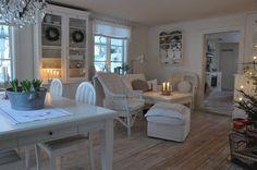 White Veranda: interior