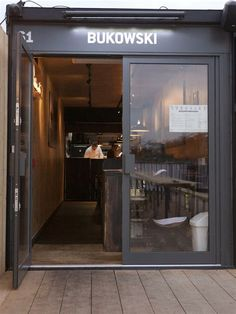 Spaces in shipping containers (Burger shop in a shipping ...
