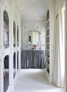 Once again, a room I want. Except this time its a closet.