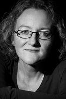 Elizabeth Haynes | Author of Into the Darkest Corner, Dark Tide and Behind Closed Doors