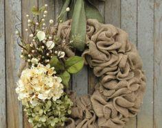 Primavera Hortensia corona de arpillera por WhimsyChicDesigns