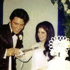 Private wedding party at Graceland, 4 weeks after their actual wedding day in Las Vegas. (On the day 22 years later, their first grandchild, Riley, would be born.)