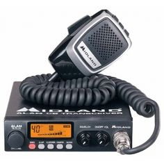 Alan 78 Plus Multi jest wielokanałowym, przewoźnym radiotelefonem CB, w którym zastosowano nowoczesne rozwiązania techniczne zapewniające wyjątkowy komfort użytkowania i wysoką skuteczność łączności. Dzięki użyciu materiałów najwyższej jakości, obwodów drukowanych odpornych na wstrząsy, monolitycznych układów scalonych, syntezera częstotliwości PLL Alan 78 Plus Multi gwarantuje, oprócz dokładnej kontroli stabilności częstotliwości, całe lata bezawaryjnej pracy.