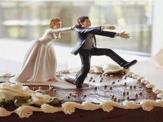EPIRUS TV NEWS: (ΕΛΛΑΔΑ)Σύρος: Ψάχνουν το γαμπρό… μια ημέρα πριν τ...