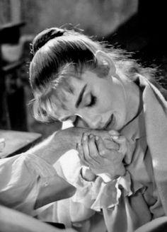Audrey Hepburn-War and Peace- De theniftyfifties.tumblr.com