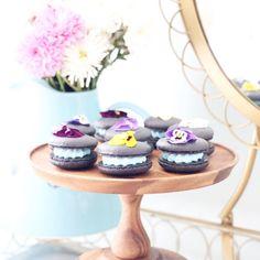 macarons + edible flowers {{ nutmeg & honeybee }}