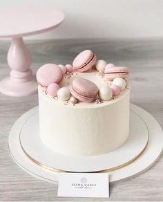 28 Ideas For Simple Birthday Cake Decorating Decoration Pretty Cakes, Cute Cakes, Mini Cakes, Cupcake Cakes, Macaroon Cake, Beautiful Birthday Cakes, Birthday Cake Decorating, Birthday Decorations, Drip Cakes