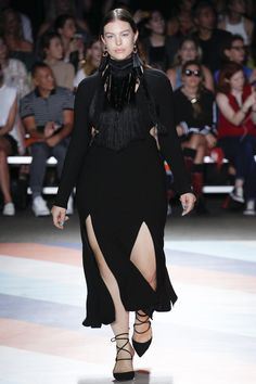 Christian Siriano plus size Spring 2017 Ready-to-Wear Fashion Show Get into this neck!!!!!!