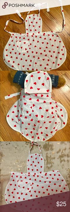 Toddler Heart Baking Apron Tiny and darling. Perfect condition Accessories Bibs