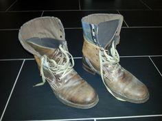 """Christos Katzidis schreibt: """"Neuzeitliche Schuhe im Retro-Look, die unsere Geschichte noch einmal für Jüngere aufleben lässt. Jeder Trend kommt irgendwann einmal wieder."""""""
