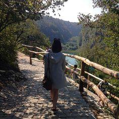 #plitvicelakesnationalpark #lazimy #pykło20km #jakniewiecej #jestpieknie #niewidaczmecznia #elfuincroatia #mlodaipiekna #potd #polishgirl #nobodycaresaboutmyhasztags #jeziora #wszedziejeziora