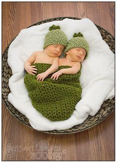 Crochet Twin Pea Pod Cocoon and Hats Boy Girl Twin Prop on Etsy, $35.00