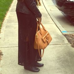 Gianni Bini Over the Shoulder Bag Beautiful, bow detailed bag with lots of room for all your life's necessities. This lovely tan bag perfectly accessorizes every outfit. Pockets on the outside as well as the inside provide options for organizations an easy access to your favorite items. Wear it as a crossbody, over the shoulder, or hooked on your arm- whichever style you prefer! Gianni Bini Bags