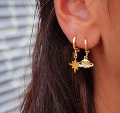 Raw Geode Earrings, Pastel Pink Geode Crystals in French Ear Wires, Amore Gift, Birthday Earrings for Girlfriend, Daughter in Law Present - Fine Jewelry Ideas Ear Jewelry, Cute Jewelry, Bridal Jewelry, Jewelry Accessories, Jewellery, Gold Jewelry, Mens Diamond Stud Earrings, Gold Bar Earrings, Women's Earrings