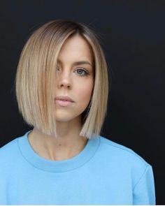 FIBE Carachele Tyvan Colo Haar Styling - Top Trends Short Bobs Haircuts Look Sexy and Charming! Best Bob Haircuts, Bob Hairstyles For Fine Hair, Hairstyles Haircuts, Trendy Hairstyles, Evening Hairstyles, Modern Haircuts, Wedding Hairstyles, Angled Bob Hairstyles, Layered Hairstyle