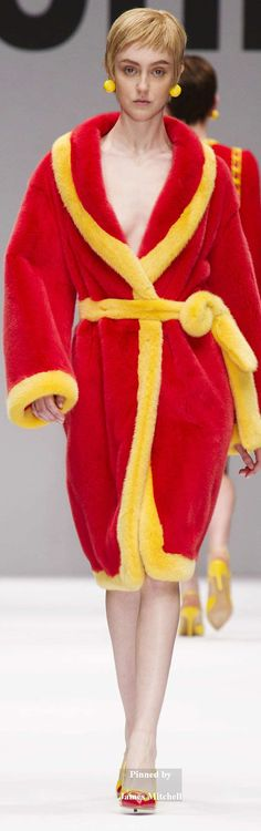 Moschino Collection Fall 2014 Ready-to-Wear Red Gold, Color Combinations, Moschino, Cute Dresses, Ready To Wear, Yellow, Womens Fashion, Pretty, How To Wear