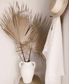 Fan Palms Medium 30 inches Beige or Sage Green palms Motif Art Deco, Party Decoration, Dried Flowers, Flower Arrangements, Floral Arrangement, Accent Decor, Interior And Exterior, Fall Decor, Home Decor Ideas