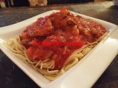 Sauce à spaghetti Le Coup de Grâce | Bedon Gourmand Risotto, Pasta, Sauces, Ethnic Recipes, Food, Rice, Greedy People, Recipes, Kitchens