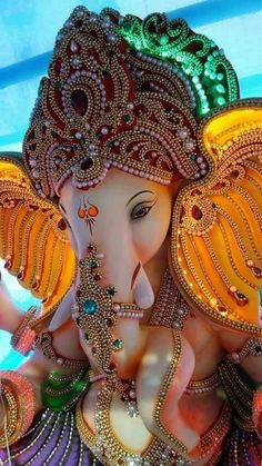 Make this Ganesha Chathurthi 2020 special with rituals and ceremonies. Lord Ganesha is a powerful god that removes Hurdles, grants Wealth, Knowledge & Wisdom. Ganesha Pictures, Ganesh Images, Radha Krishna Pictures, Krishna Images, Ganesh Lord, Sri Ganesh, Lord Krishna, Lord Shiva, Ganesh Idol