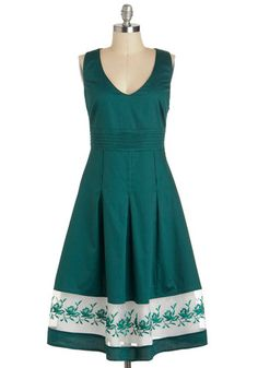 SWAPPED Spruce Up Dress, SIze Small, NWT Ruby Belle Size UK8, USA 4.  armpit to armpit is about 17, waist is 14.5, length about 42