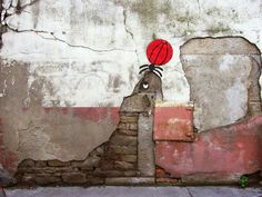 La ville suPHOQUE... / Street art. / By OakOak.