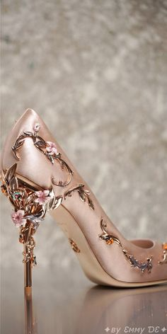 Brilliant Luxury by Emmy DE♦Ralph & Russo Eden Eve Pump AW 2016/17