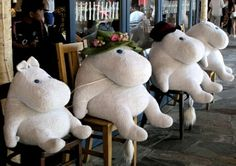 ^-^ I want to go to the Moomin cafe in Japan!! Looks like The Moomins did!!...