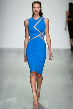 David Koma Spring 2015 Ready-to-Wear - Bright and tailored suits and perfect brunch dresses, the perfect collection for socializing in any major city. thestyleweaver.com
