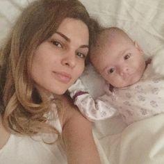 Foto # Argjentina me #bebin e saj