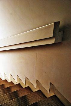 90 Auditorium and Palacio de Congresos Infanta Doña Elena 9107 - stair. Staircase Handrail, Interior Staircase, Stair Railing, Staircase Design, Interior Architecture, Hand Railing, Bannister, Basement Stairs, House Stairs