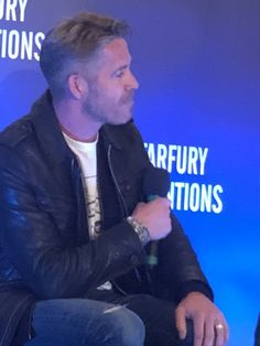 Enchanted Con in Birmingham, UK – June Sean Maguire, Birmingham Uk, Outlaw Queen, Ouat, Once Upon A Time, Enchanted, Fictional Characters, Amazing People, Fairy Tail