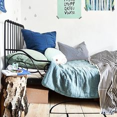 Create a dream bedroom for your child - IKEA Dream Bedroom, Kids Bedroom, Master Bedroom, Creative Kids Rooms, Large Cushions, Bed Linen Design, Black Bedding, Cuisines Design, Bedroom Colors