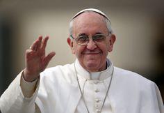 Daqui a alguns instantes Meu Pais recebe o Santo Padre o Papa Francisco em nosso solo. Não estarei lá, mas já posso sentir que realmente sua vinda aqui é um novo Pentecostes. Seja bem vindo Papa Francisco e todo o mundo...