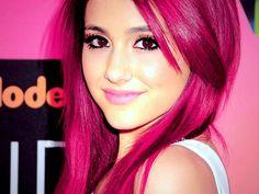 ariana grande with awsome pink hair
