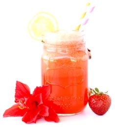 This EASY Frozen Strawberry Lemonade Recipe is the perfect way to cool off on a hot day! Who can resist a frozen lemonade infused with sweet strawberries? Lemonade Punch Recipe, Easy Strawberry Lemonade Recipe, Cranberry Lemonade, Homemade Lemonade Recipes, Slushie Recipe, Peach Lemonade, Recipe 4, Strawberry Julius Recipe, Strawberry Drink Recipes