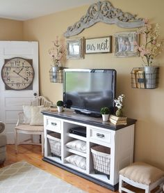 Easy Farmhouse Style TV Stand Makeover. Living room decor ideas.