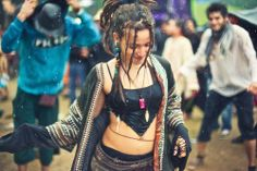 cassiatsura:  photo taken of me at beautiful Hadra Festival! psytrance in the Alps! original photo