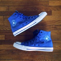✨Rare✨ Converse Heathered Nylon Hi Top Won't find this pair of Chucks everyday. In the Dazzling Blue color way. Original rubber sole. Only a couple of very slight scuffs on the head, hardly noticeable. 100% Authentic! Basically like new. Price Firm on these. Will post more pics soon. Converse Shoes Sneakers