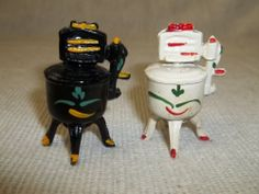 Vintage Cast Iron Washing Machine Salt & Pepper Shakers