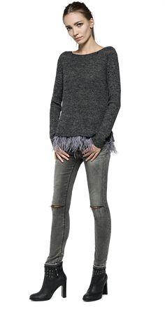 Jersey de lana mixta con detalle de plumas Winter Is Coming, Skinny Jeans, Pants, Ideas, Fashion, Wool Sweaters, Feathers, Sweatshirts, Skirts