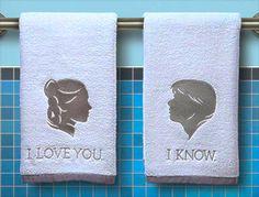 BORDADO APAIXONANTE   jeito criativo de ter um toque de Star Wars no lavabo! #TecnisaDecor #StarWars #StarWarsDay #Inspire-se #Tecnisa Foto: Etsy