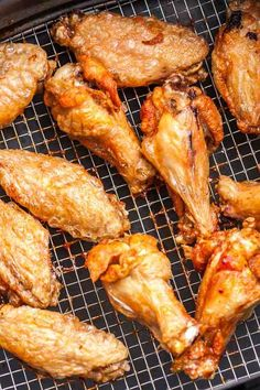 Easy Air Fryer Chicken Wings are so crispy and delicious without using any extra oil! Cooking Chicken Wings in an Air Fryer instead of deep-frying or baking them in the oven makes them healthier, simp Air Fry Chicken Wings, Cooking Chicken Wings, Chicken Wing Recipes, How To Cook Chicken, Air Fryer Recipes Chicken Wings, Crispy Chicken Wings, Nuwave Chicken Wings Recipe, Chicken Thighs, Fried Chicken Drumsticks