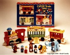 old fisher price toys - The circus train was one of my very favorites as a little girl. I had this exact one. But I don't see the giraffe, mine had a giraffe. The bear and elephant were my faves. My Childhood Memories, Childhood Toys, Sweet Memories, Fisher Price Toys, Vintage Fisher Price, Retro Toys, Vintage Toys, Circus Train, Old School Toys