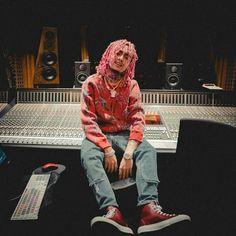 Lil Pump Jetski, Hip Hop Singers, Hip Hop Playlist, Team Magma, Ukraine Women, Pink Costume, Dating Coach, Hip Hop Artists, Big Sean